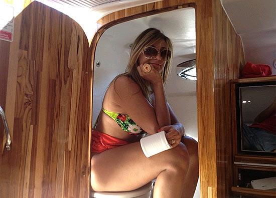 Fazendo sexo no barco antes de chegar na ilha - 1 2
